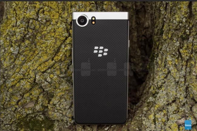 Ngạc nhiên với thời lượng pin BlackBerry KEYone ảnh 2