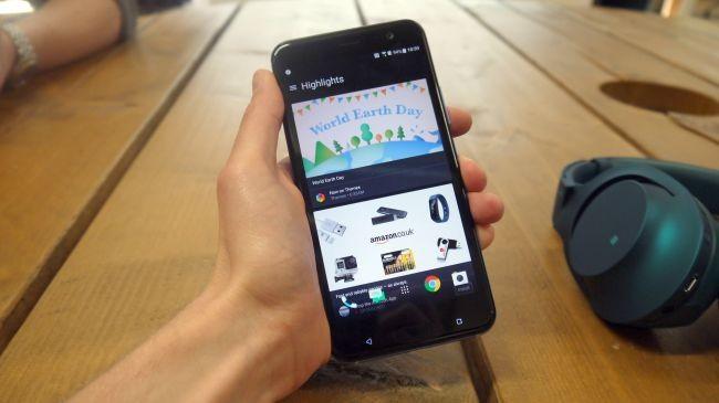 Đánh giá HTC U11: Độc đáo nhưng chưa đủ hấp dẫn ảnh 1