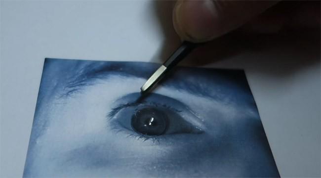 Đánh lừa nhận diện mống mắt Galaxy S8 bằng máy ảnh và kính áp tròng ảnh 3