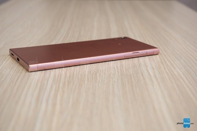 Đánh giá Sony Xperia XA1 Ultra: lớn nhưng chưa khôn ảnh 1