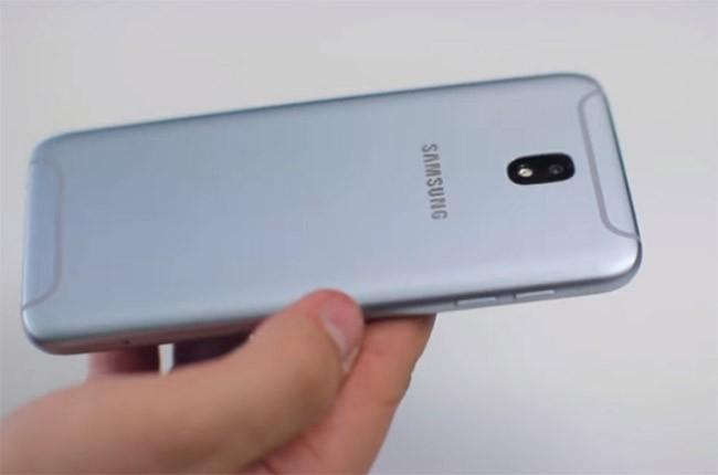 Galaxy J5 và J7 (2017) lộ diện trong một video trên tay ảnh 2