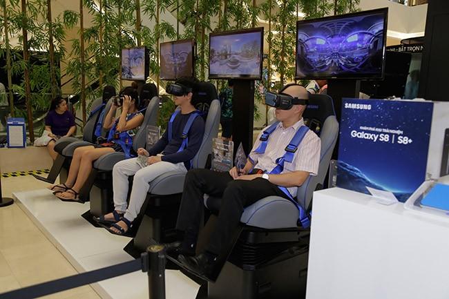 Giới trẻ Sài Thành háo hức trải nghiệm hệ sinh thái Samsung ảnh 3