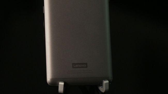 Đánh giá Lenovo P2: To và nặng, màn hình đẹp ảnh 6