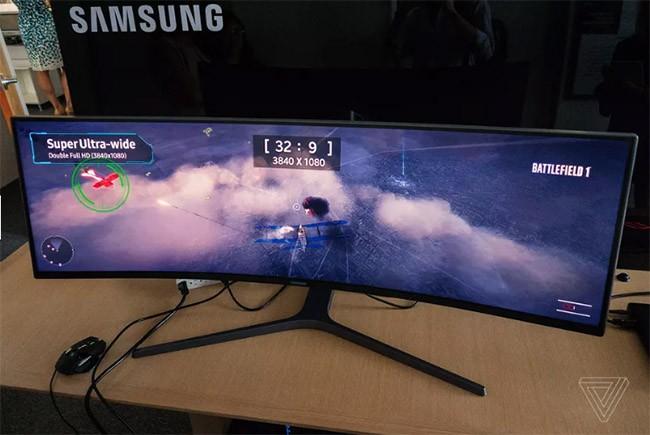 """Màn hình máy tính bàn """"siêu khủng"""" của Samsung ảnh 1"""