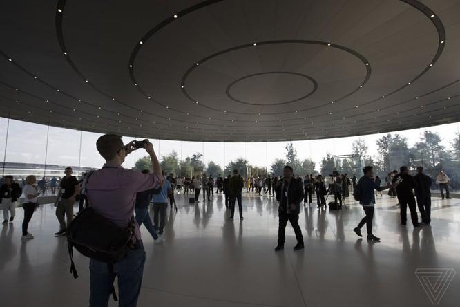 iPhone X giá từ 999 USD, lên kệ vào 3/11 ảnh 96