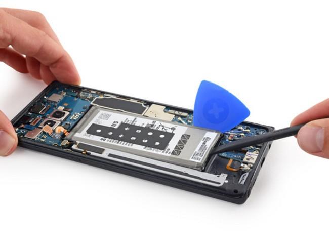 """""""Giải phẫu"""" Galaxy Note 8: không dễ sửa đối với thợ """"tay mơ"""" ảnh 4"""