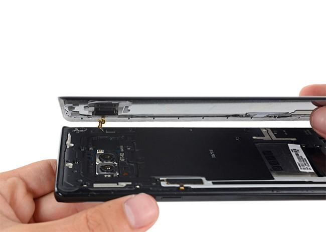 """""""Giải phẫu"""" Galaxy Note 8: không dễ sửa đối với thợ """"tay mơ"""" ảnh 2"""