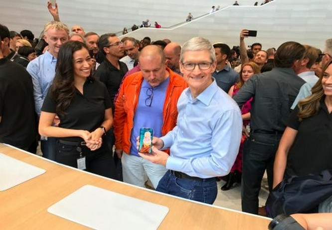 iPhone X có xứng là chiếc điện thoại nghìn đô không? ảnh 1