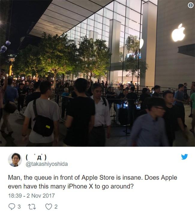 iPhone X: chen lấn xô đẩy ở Singapore, xếp hàng dài ở Úc, Nhật, Nga, Anh; nụ cười trở lại ảnh 2