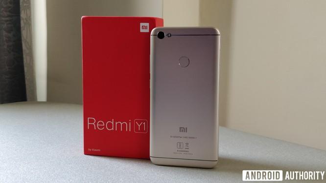 """Xiaomi """"nhỏ mà có võ"""", mục tiêu bán 100 triệu smartphone năm 2018 ảnh 2"""