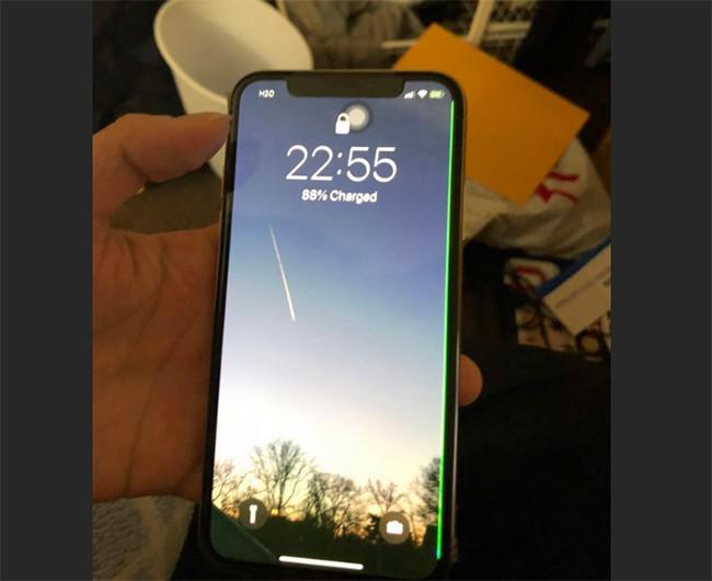 iPhone X dính lỗi sọc màn giống Galaxy S7 edge ảnh 2