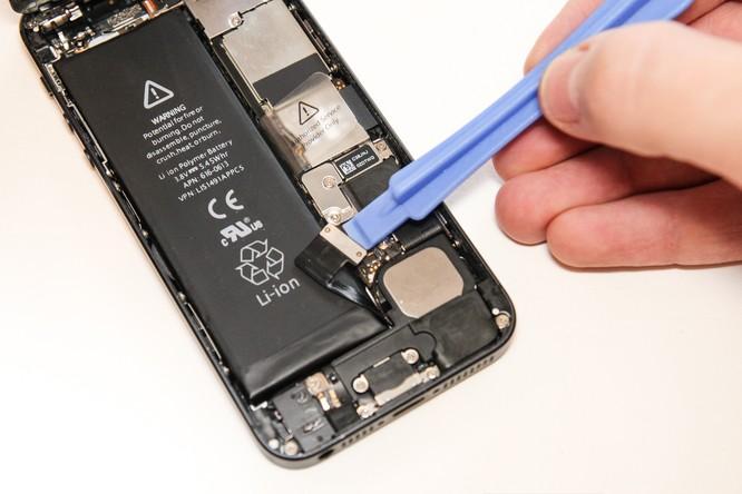 Người dùng iPhone Việt đã được hưởng chính sách thay pin mới của Apple ảnh 1