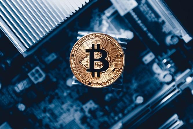 """Phát hiện """"đội lái"""" đẩy giá Bitcoin từ 150 USD lên 1.000 USD ảnh 1"""