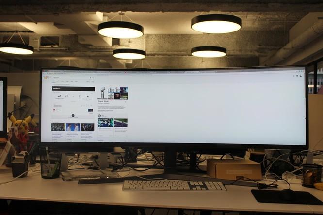 Website, YouTube và các ứng dụng sẽ hiển thị như thế nào trên màn hình siêu rộng này? ảnh 20