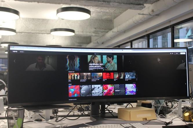 Website, YouTube và các ứng dụng sẽ hiển thị như thế nào trên màn hình siêu rộng này? ảnh 22