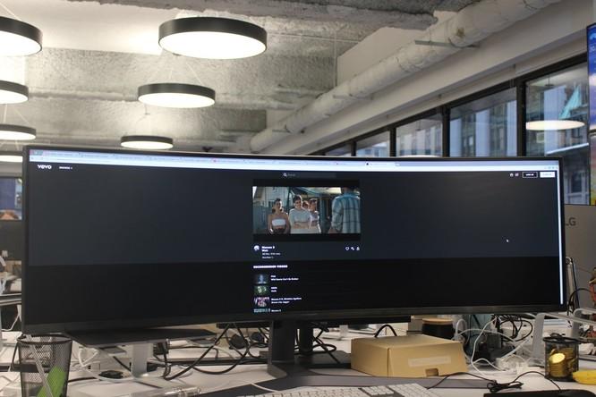 Website, YouTube và các ứng dụng sẽ hiển thị như thế nào trên màn hình siêu rộng này? ảnh 23