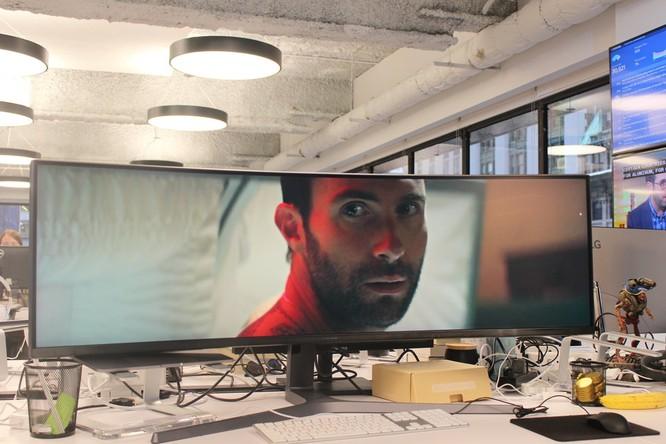 Website, YouTube và các ứng dụng sẽ hiển thị như thế nào trên màn hình siêu rộng này? ảnh 24