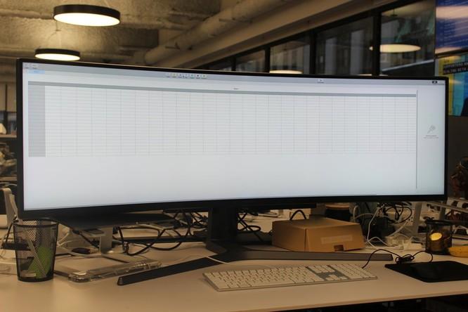 Website, YouTube và các ứng dụng sẽ hiển thị như thế nào trên màn hình siêu rộng này? ảnh 33