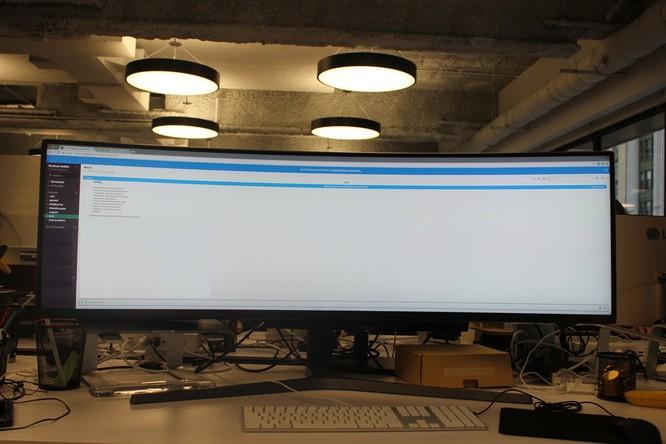 Website, YouTube và các ứng dụng sẽ hiển thị như thế nào trên màn hình siêu rộng này? ảnh 8
