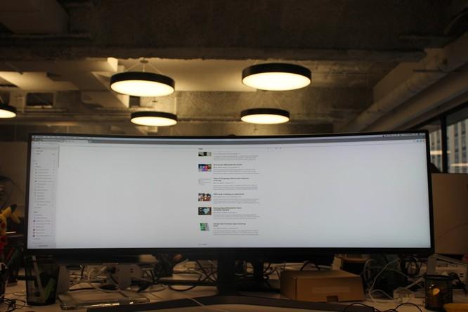Website, YouTube và các ứng dụng sẽ hiển thị như thế nào trên màn hình siêu rộng này? ảnh 9