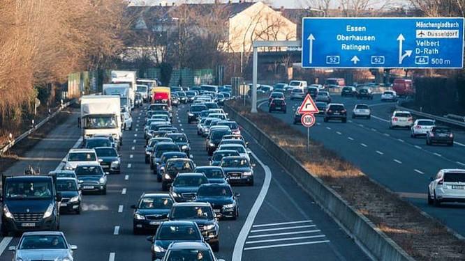 Tòa hành chính tối cao Đức phán quyết các thành phố có thể cấm xe chạy diesel ảnh 1