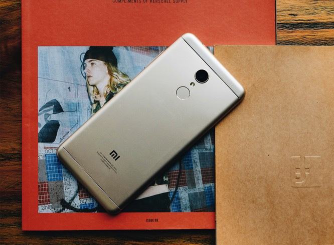 FPT Shop tặng quà khi khách hàng đặt trước Xiaomi Redmi 5 Plus từ 1/3 ảnh 1