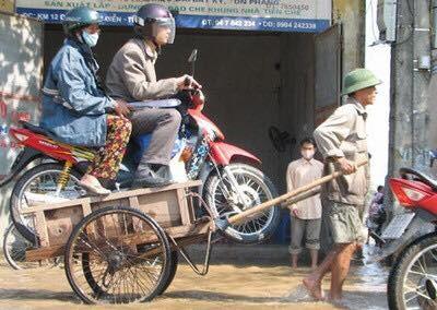 """Cười đau bụng với """"Người vận chuyển"""" phiên bản Việt Nam ảnh 11"""