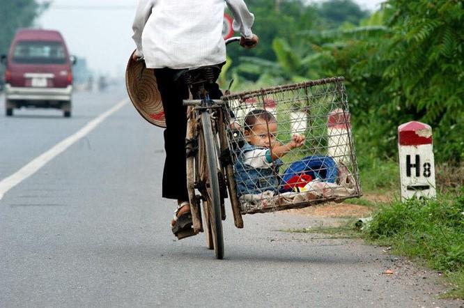 """Cười đau bụng với """"Người vận chuyển"""" phiên bản Việt Nam ảnh 21"""