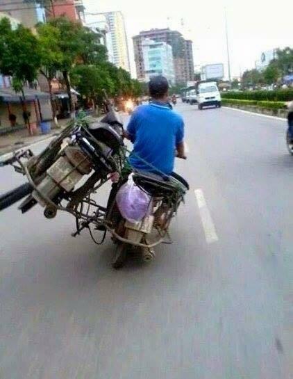 """Cười đau bụng với """"Người vận chuyển"""" phiên bản Việt Nam ảnh 23"""