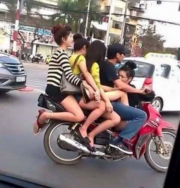 """Cười đau bụng với """"Người vận chuyển"""" phiên bản Việt Nam ảnh 24"""