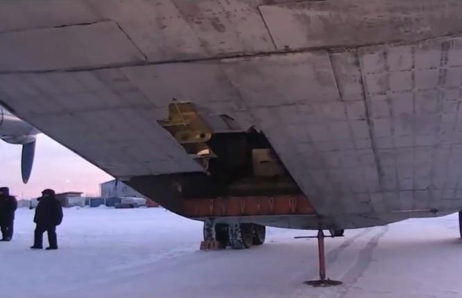 Một cơn mưa vàng và kim cương bất ngờ rơi xuống thành phố Yakutsk, Nga ảnh 1