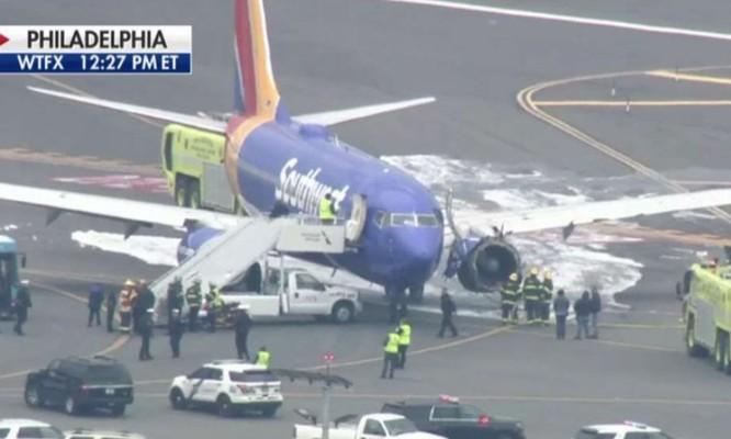 Mỹ: máy bay nổ động cơ khiến một người bị cuốn ra ngoài cửa sổ ảnh 2