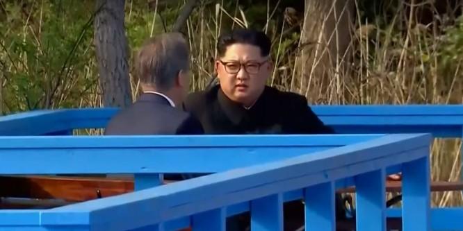 Toàn cảnh cuộc gặp lịch sử giữa Chủ tịch Triều Tiên Kim Jong Un và Tổng thống Hàn Quốc Moon Jae In ảnh 29