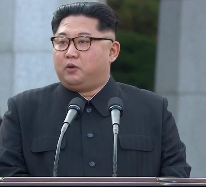Toàn cảnh cuộc gặp lịch sử giữa Chủ tịch Triều Tiên Kim Jong Un và Tổng thống Hàn Quốc Moon Jae In ảnh 37