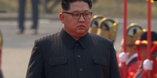Toàn cảnh cuộc gặp lịch sử giữa Chủ tịch Triều Tiên Kim Jong Un và Tổng thống Hàn Quốc Moon Jae In ảnh 12