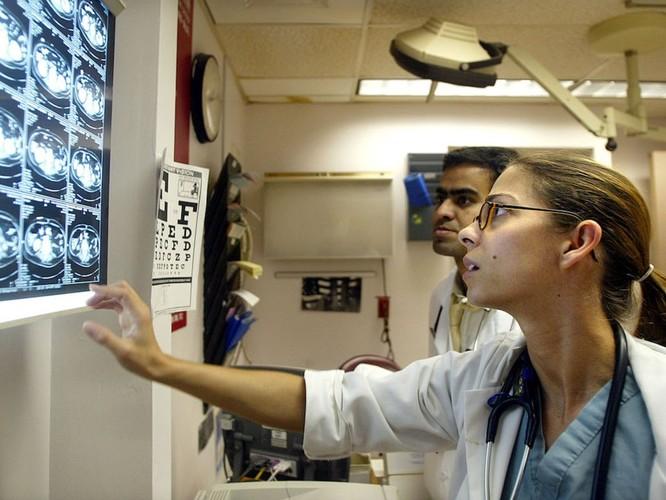Bệnh viện càng hiện đại, bệnh nhân càng lắm nỗi lo ảnh 2