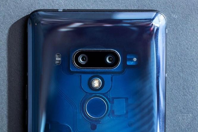 HTC U12 Plus chính thức ra mắt: phím giả cảm ứng lực trên cạnh máy ảnh 4