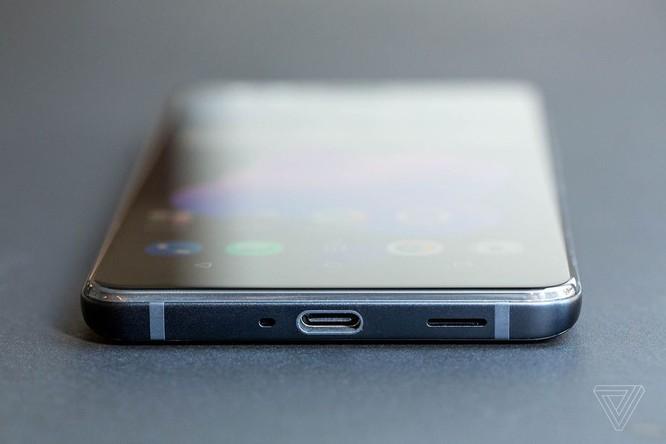 HTC U12 Plus chính thức ra mắt: phím giả cảm ứng lực trên cạnh máy ảnh 6