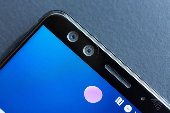 HTC U12 Plus chính thức ra mắt: phím giả cảm ứng lực trên cạnh máy ảnh 3