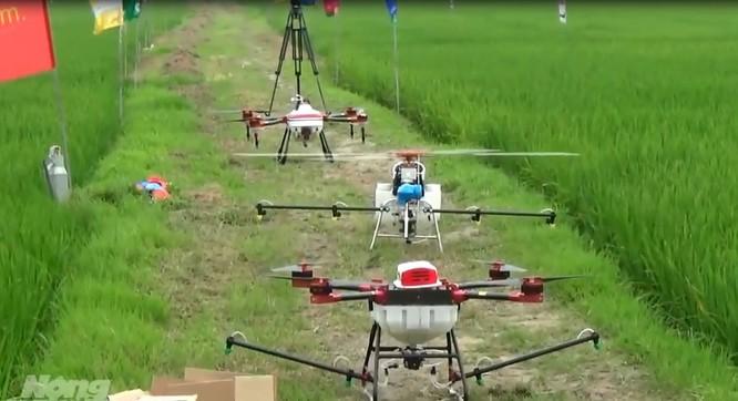 Máy bay điều khiển từ xa phun thuốc trừ sâu có phải là Nông nghiệp 4.0? ảnh 3