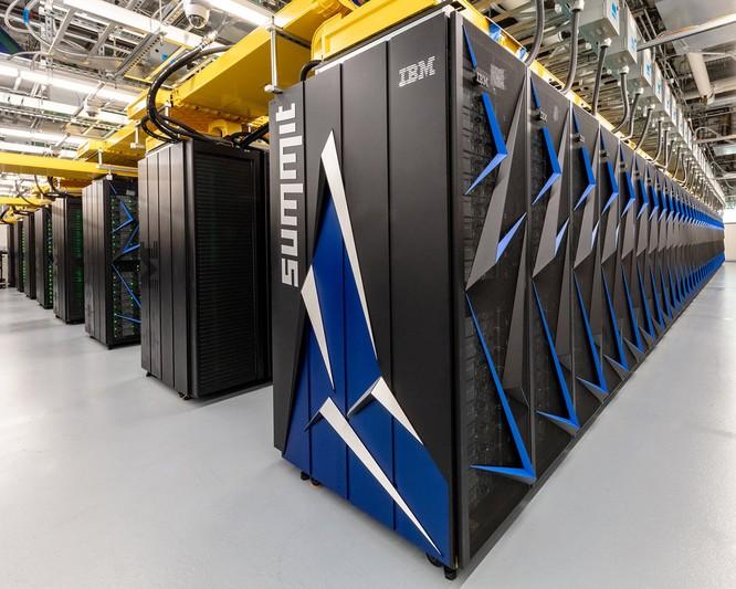 Chiêm ngưỡng siêu máy tính mạnh nhất thế giới có thể giải 200 triệu tỷ phương trình toán học mỗi giây ảnh 1