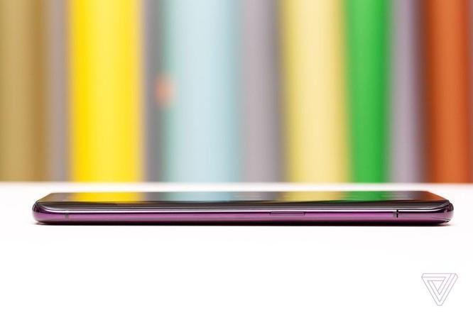 """Oppo Find X ra mắt: không tai thỏ, không """"cằm"""", cơ cấu ẩn camera kiểu mới ảnh 5"""