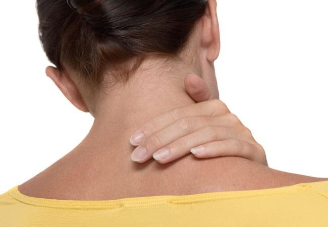 """Bạn biết gì về """"iPad neck"""" và nó ảnh hưởng đến bao nhiêu người? ảnh 1"""