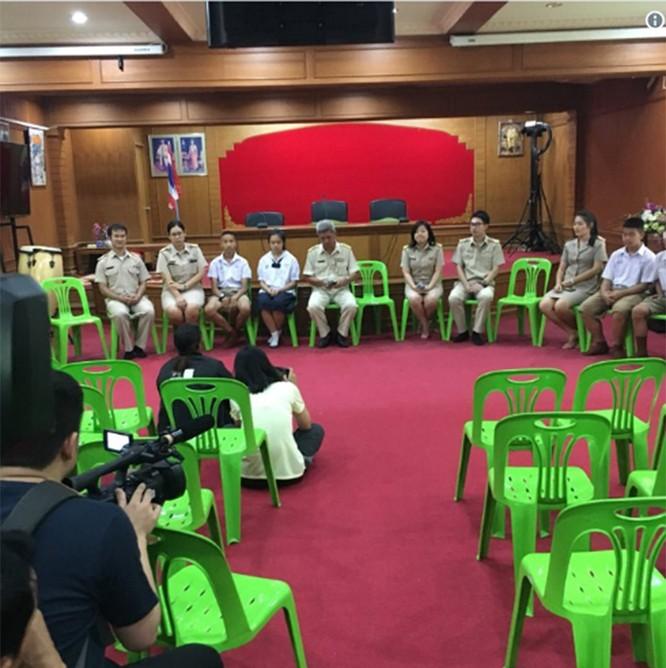 Cập nhật chiến dịch giải cứu đội bóng Thái Lan: 8 cậu bé đã được giải cứu ảnh 9