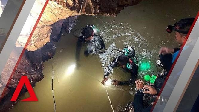 Ngày đầu tiên giải cứu đội bóng thiếu niên bị mắc kẹt trong hang Tham Luang