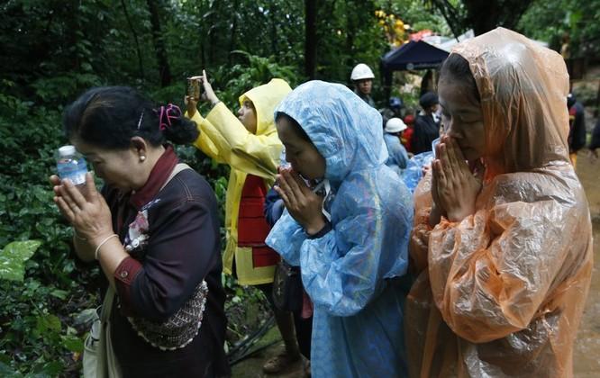 Toàn bộ đội bóng thiếu niên Thái Lan đã được giải cứu thành công: khép lại 3 ngày nỗ lực của các nhân viên cứu hộ ảnh 3