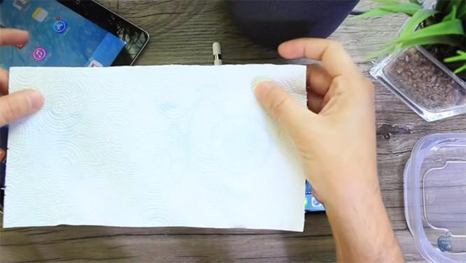"""Mẹo """"hack"""" bút Apple Pencil đơn giản đến không ngờ để sử dụng với iPhone và iPad đời cũ ảnh 1"""