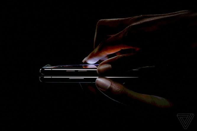 Bộ 3 iPhone 2018 đã ra mắt: không có nhiều khác biệt với tin đồn, nhiều màu sắc, giá khởi điểm từ 749 USD ảnh 28