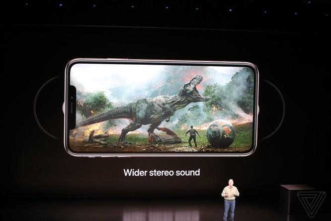 Bộ 3 iPhone 2018 đã ra mắt: không có nhiều khác biệt với tin đồn, nhiều màu sắc, giá khởi điểm từ 749 USD ảnh 39