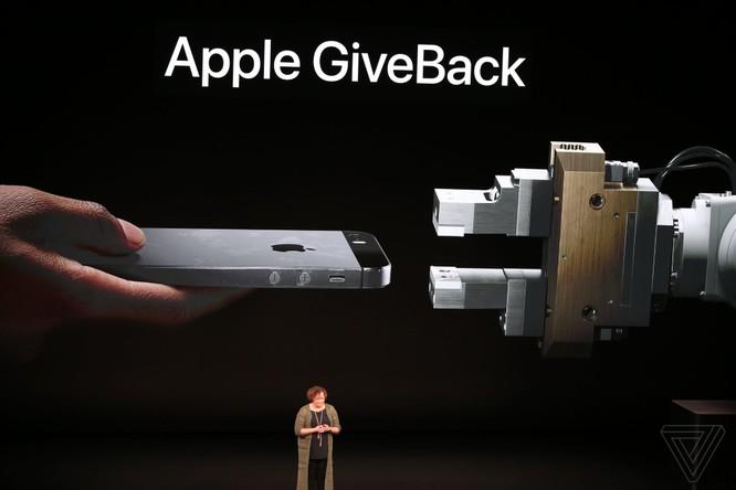 Bộ 3 iPhone 2018 đã ra mắt: không có nhiều khác biệt với tin đồn, nhiều màu sắc, giá khởi điểm từ 749 USD ảnh 58